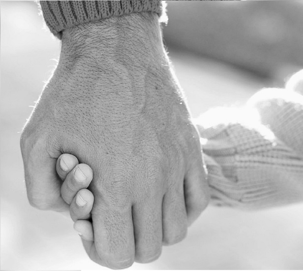 fathers_day_hands_bw-копия.jpg